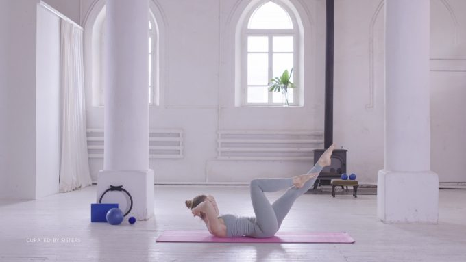 Pilates, tummy exercise - Curated by Sisters