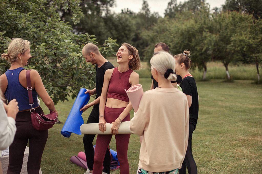 Jivamukti joga Vilniuje - Curated by Sisters